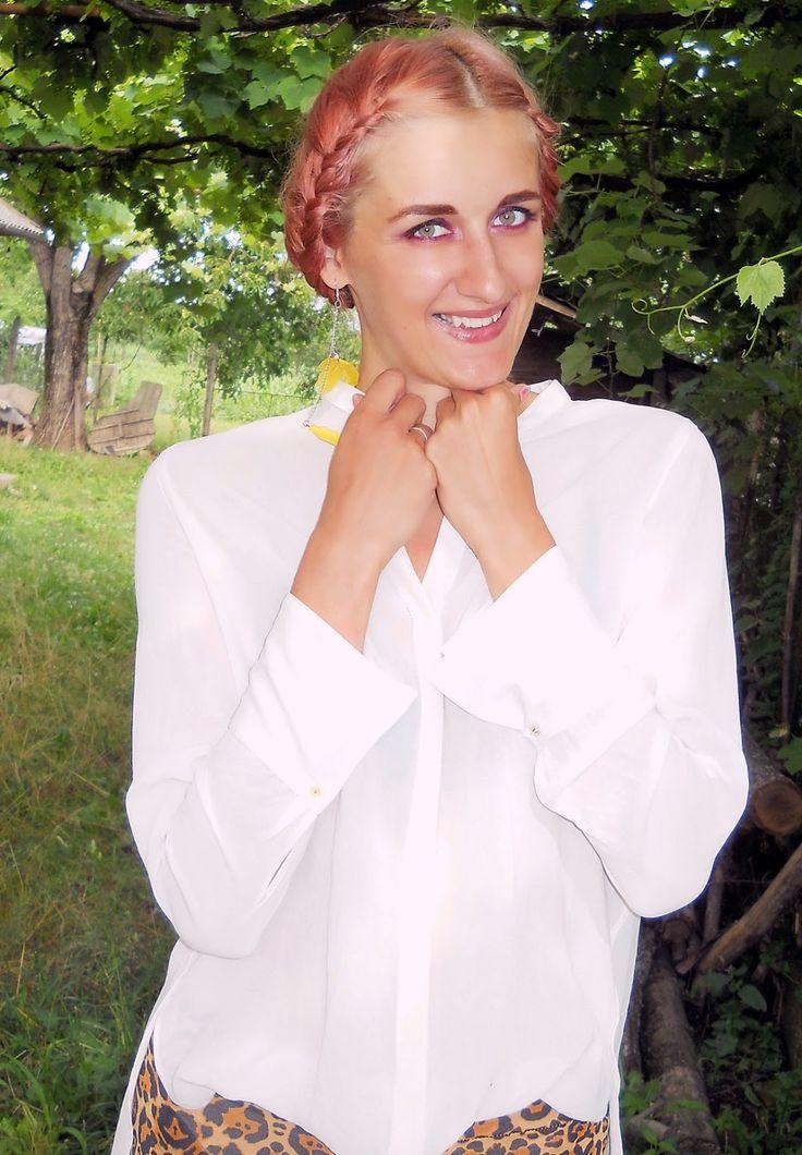 pink hair, outfit, animal print, braided hair, green eyes