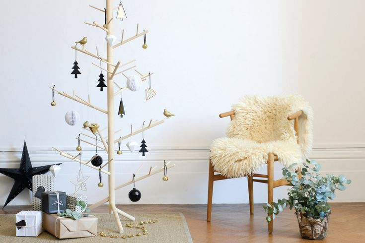 Our Best Christmas Tree Ideas For Small Spaces Small Christmas