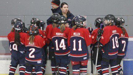 Une association de hockey mineur de Toronto va trop loin pour protéger ses joueuses http://www.danslaction.com/fr/une-association-de-hockey-mineur-de-toronto-va-trop-loin-pour-proteger-ses-joueuses/