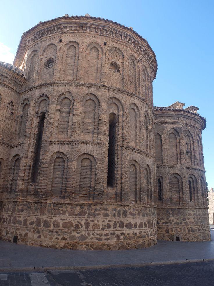 Abside central. Su decoración es mas elaborada que la del mudéjar castellano.
