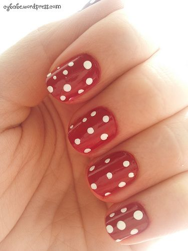 spring nails dots