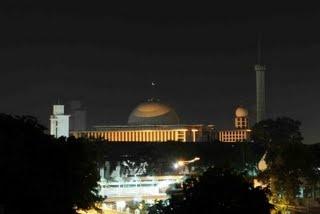 Masjid Istiqlal, Jakarta, Indonesia (night view)