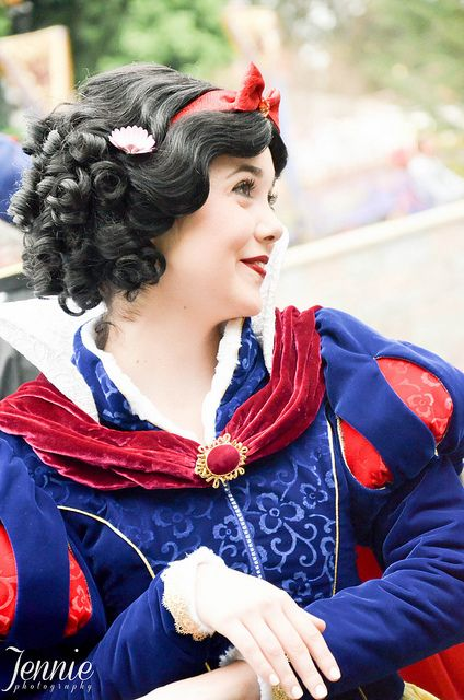 This is one of the best Snow White face characters I've ever seen!