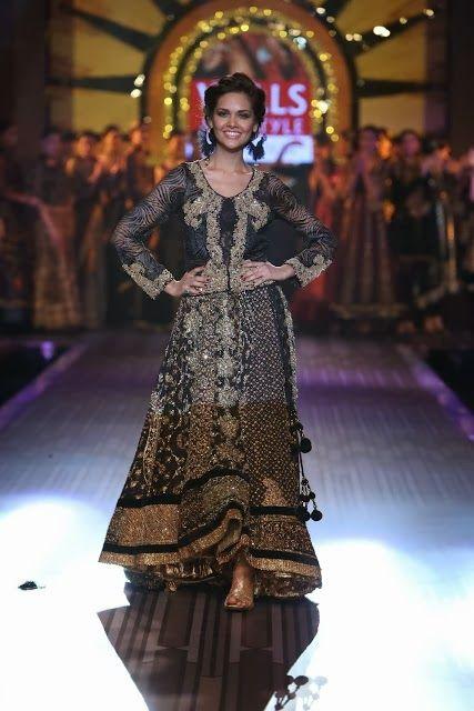 #EshaGupta in #RituKumar #Designer #Lehenga
