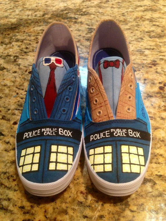 Hand painted Doctor Who shoes - I really love these shoes... (I would lvoe to…
