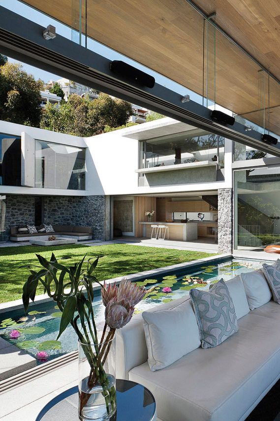 25 best ideas about u shaped houses on pinterest u for U shaped house plans with courtyard pool