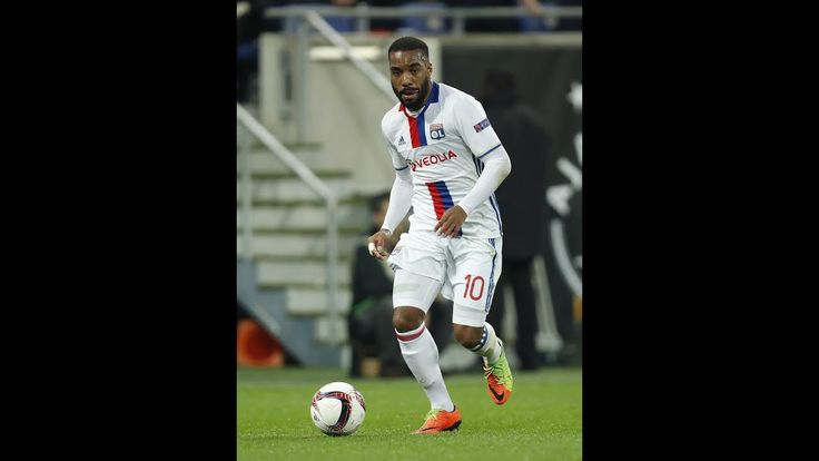 Lyon chiefs fly to London to negotiate Alexandre Lacazettes potential move with Arsenal