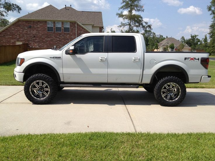 """2011 Ford F-150 FX4 with 6"""" lift"""