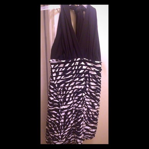 3 for $22 Halter dress FINAL MARKDOWN Halter dress ties in the back. Size is 14 Petite Dresses Midi