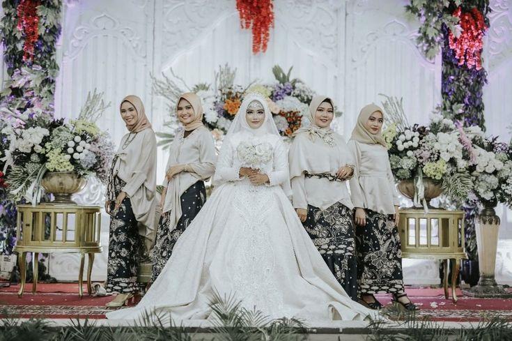 "797 Likes, 1 Comments - Laksmi Wedding Muslimah (@laksmimuslimah) on Instagram: """"aku tak ingin kita bersama hanya di dunia, semoga kita menuju kebaikan bersama, menjadi istri…"""