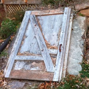 Building a Root Cellar in Your Home -- an easy and inexpensive way to store root crops, winter squash, and some other homegrown produce