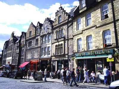 Historic Destinations: Edinburgh Vs Paris