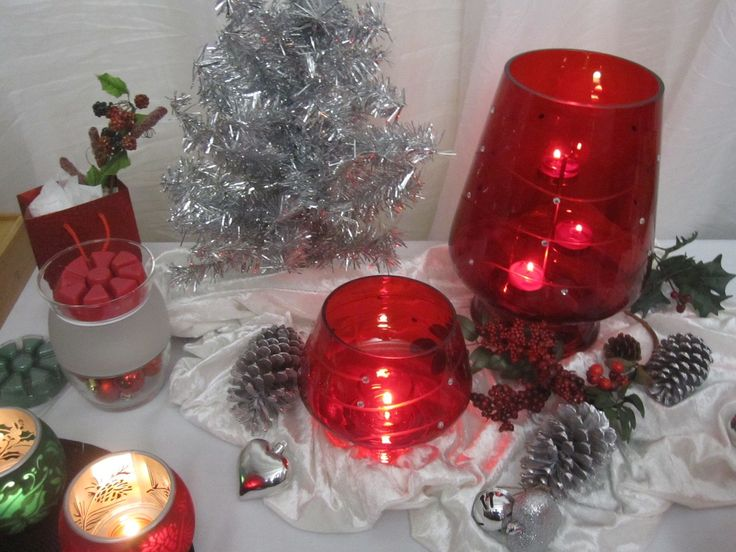 Crimson Sparkle hurricane and votive holder and the Clearly Creative electric melts warmer