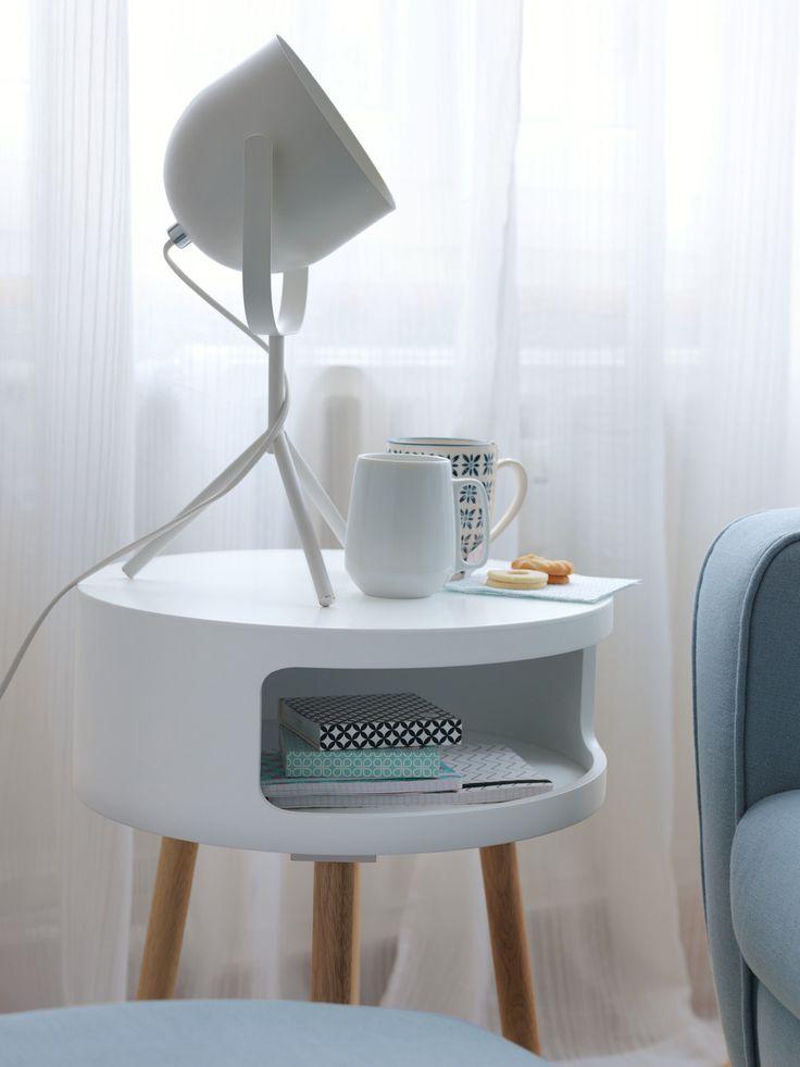 Micasa Wohnzimmer mit Beistelltisch SCARLETT & Tischleuchte CIRANO