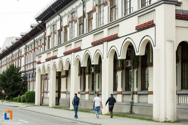 Universitatea C. Brâncuși (lateral) - Facultatea de Inginerie și Dezvoltare Durabilă, Calea Eroilor 30, Târgu Jiu