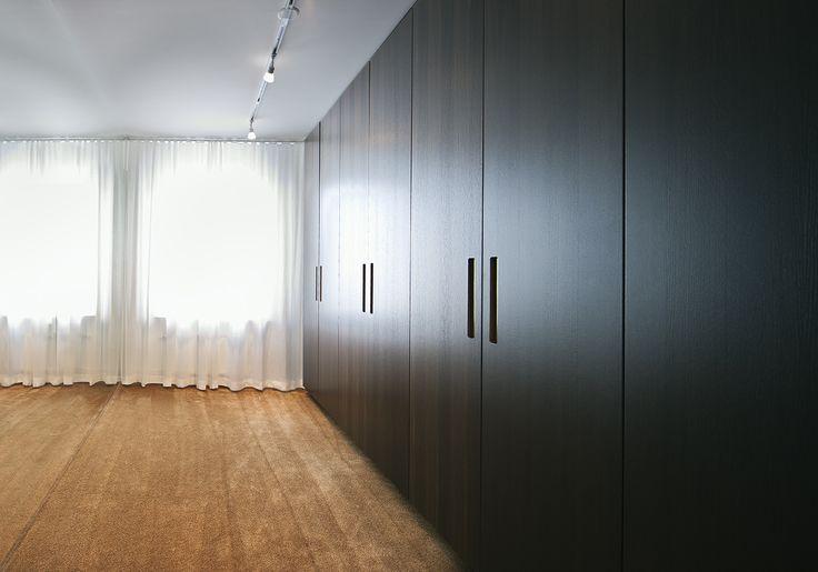 Garderobsdörrar i Rökt Ek