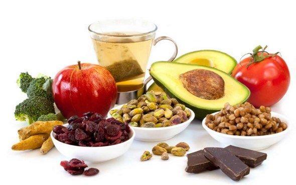 Rekomendasi makanan sehat bagi penderita penyakit jantung koroner.
