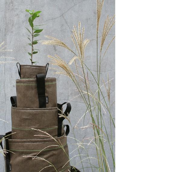 Plant bags.Growing Pots, Bacsac Pots, Plants Bags, Outdoor Pots, Flower Growing, Flower Pots, Bacsac Outdoor, Colonne Pots, Pots Products