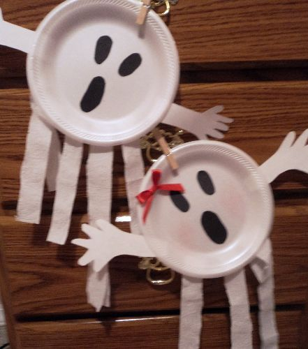 Ghosts, ghosts, ghosts!Halloween Parties, Holloween Crafts For Toddlers, Halloween Paper, Easy Crafts So, Ghosts Crafts, Heart Art, Halloween Crafts, Kids Crafts, Categorizing Crafts