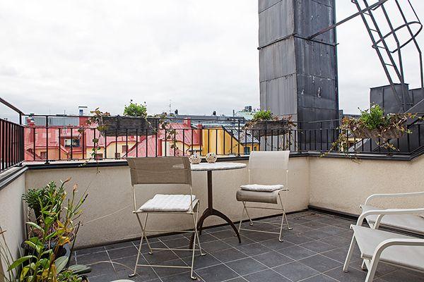 Cozy Atmosphere Recreated in a Three Bedroom Loft in Stockholm