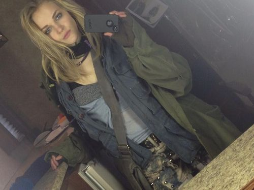 Just posted on Twitter by Madeline Brewer, aka Tricia Miller! Showing off her homeless get up.  X