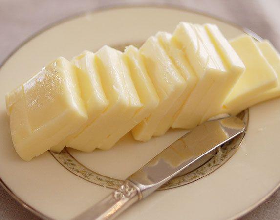 Como Fazer manteiga em casa  Saiba como fazer mais coisas em http://www.comofazer.org/culinaria/como-fazer-manteiga-em-casa/