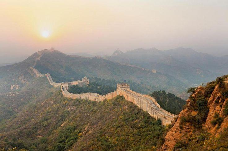 Китайская_стена_на_рассвете.jpg 1200×800 пикс