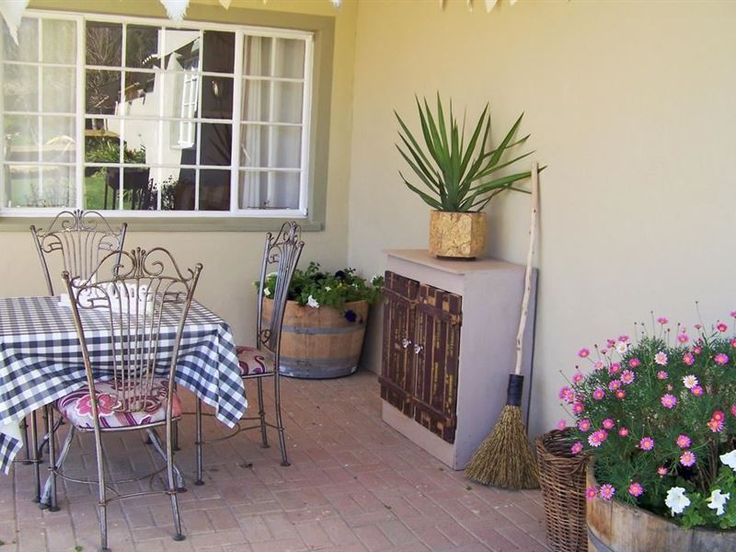 Franschhoek Farm Cottages - Franschhoek Farm Cottages are small one-bedroom cottages at the foot of the Hottentos Holland Valley Mountains in Franschhoek. It is perfect if you want to escape the city. The dam on the farm and the ... #weekendgetaways #franschhoek #winelands #southafrica