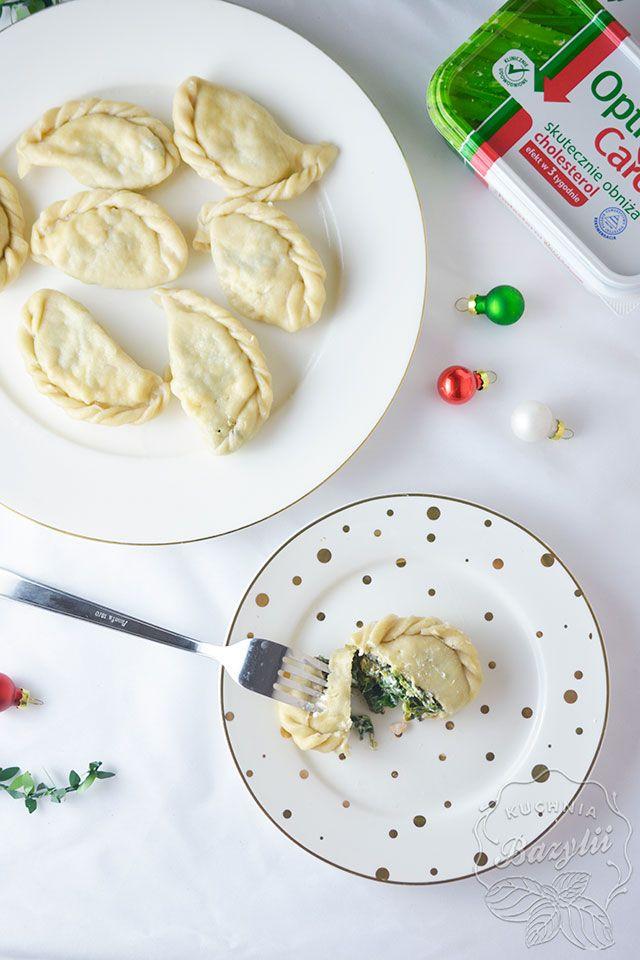 Pierogi ze szpinakiem i łososiem będą dla Was ciekawą odmianą na stole wigilijnym. Jeżeli lubicie takie połączenie smaków, zachęcam do przygotowania.