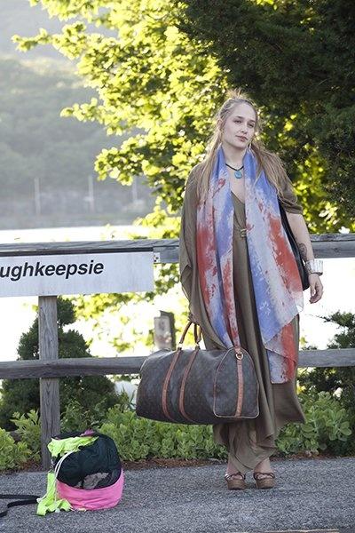 jessa girls style colorful scarf. ughkeepsie.... Peekskill train station!
