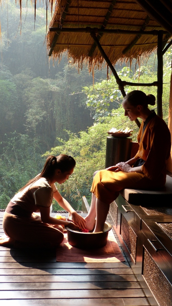 Thai style ....feet rinsing and cleaning before they put you in a massage room. The most common all over Thailand.