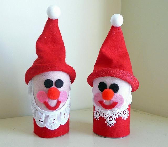 Os rolos de papel higiênico são um ótimo material para criar objetos de decoração. Inclusive objectos de decoração de natal. Veja os exemplos que aqui divulgamos e crie a sua decoração de natal com alguns objetos reciclados.