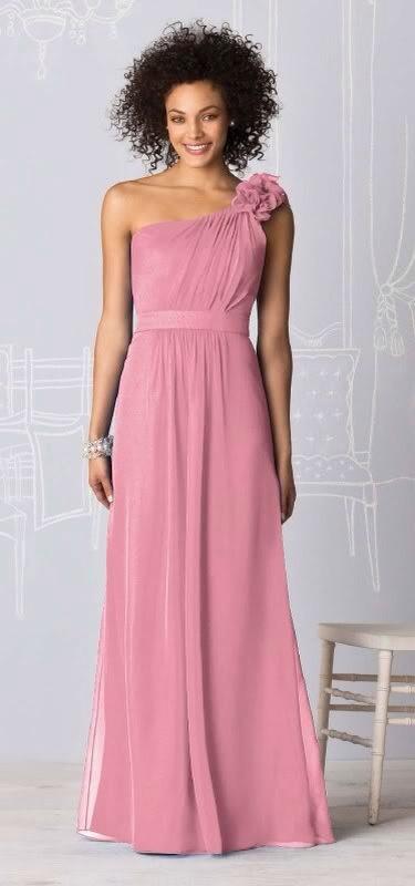 Bridesmaids 'dusky pink'