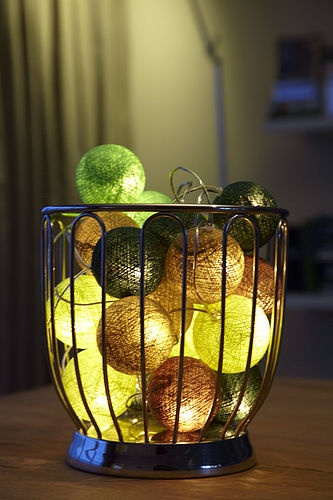 Using Tableking's Box of Balls, you too can create a little masterpiece to softly glow in the corner of your dining room