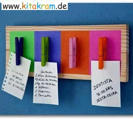Posttsystem aus farbigen Wäscheklammern