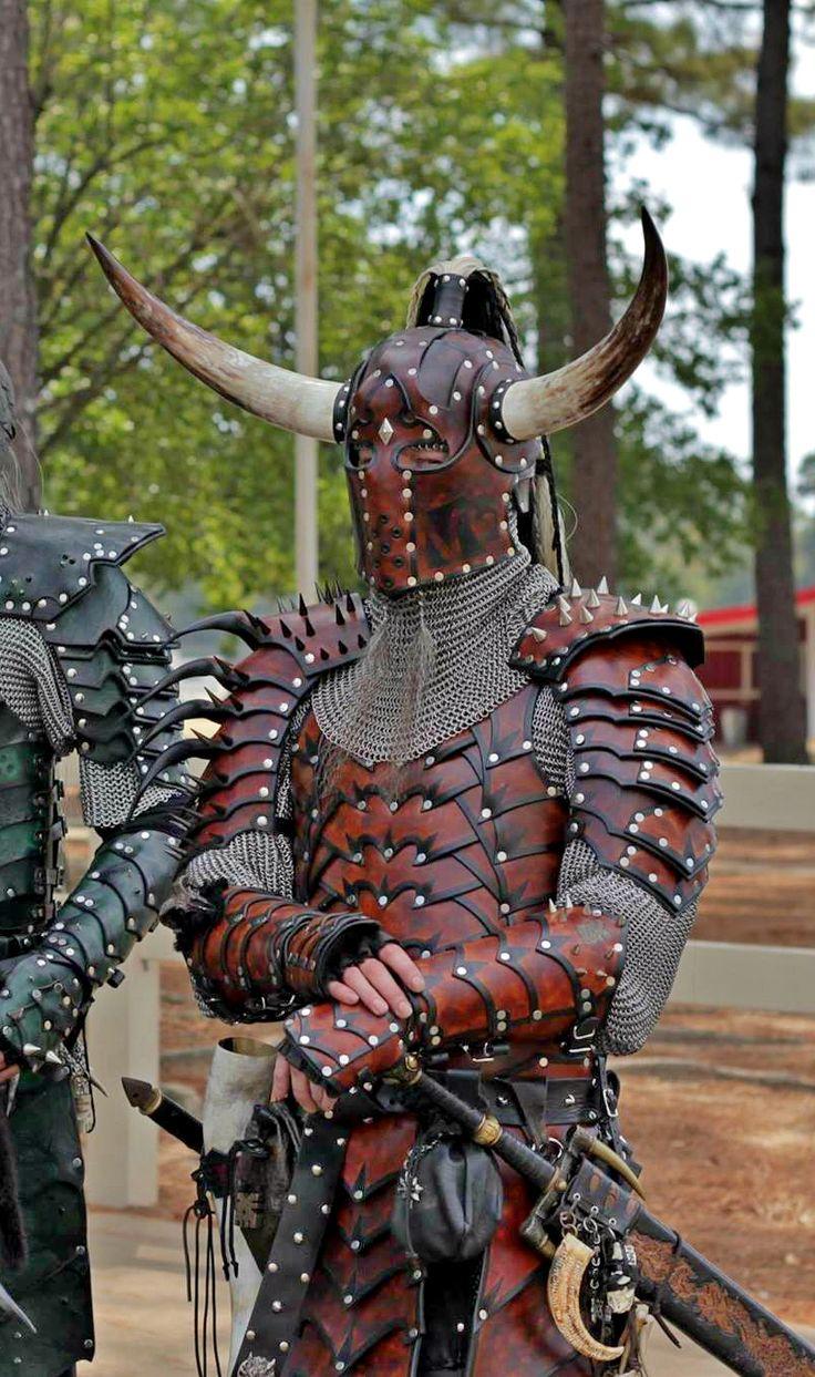 Amazing leather armor. Texarkana Renaissance Faire, Texarkana, AR http://texarkanarenfaire.blogspot.com/