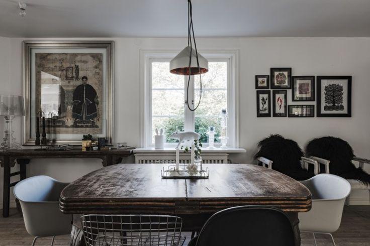 деревянный стол лампа