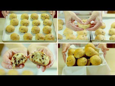 PANGOCCIOLI FATTI IN CASA RICETTA FACILE - Homemade Chocolate Chip Buns Easy Recipe - YouTube