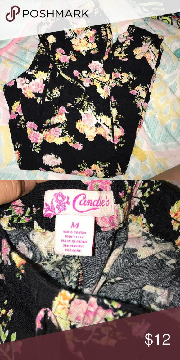 Candie's floral design jogger Candie's floral design joggers//size medium//EUC//so soft Candie's Pants Track Pants & Joggers
