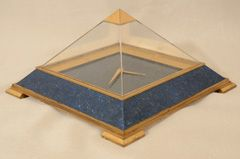 1STDIBS.COM - Foundwell - Jaeger LeCoultre - Jaeger LeCoultre Gilt Brass and Faux Lapis Pyramid Desk Clock