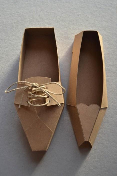 Zapatos de cartón: originales
