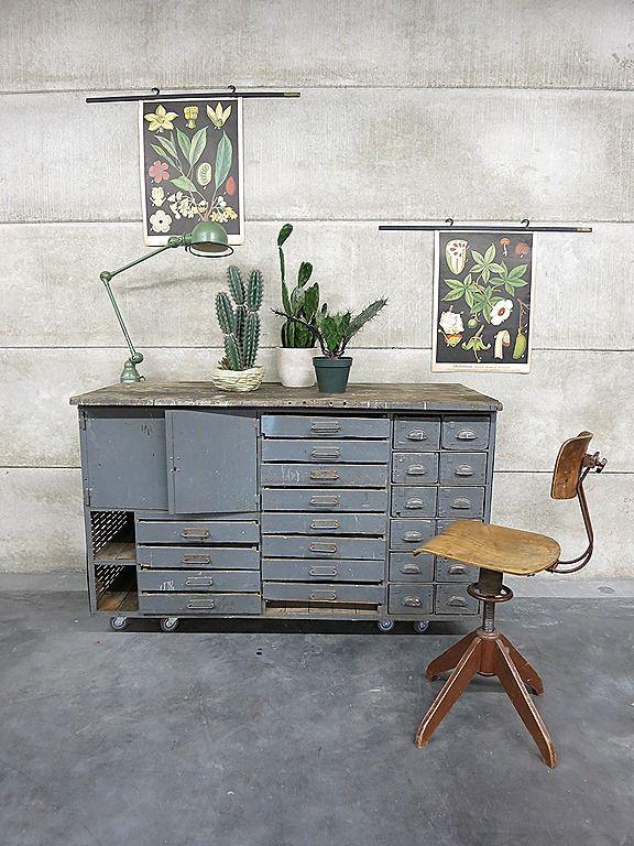 Vintage cabinet Industrial, toonbank industrieel ladenkast dressoir kast industrieel vintage loft