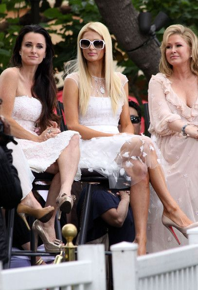 """Kyle Richards, Paris Hilton and Kathy Hilton appears on an episode of """"Extra"""" at the Grove in Los Angeles."""