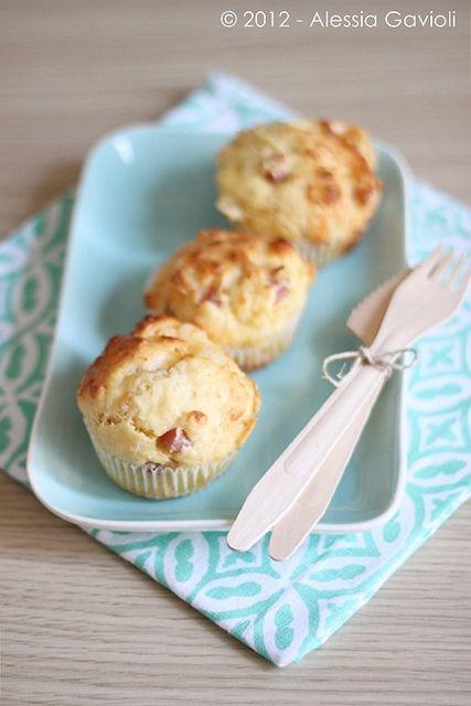 muffins, cookies e altri pasticci: Muffin salati al latticello con prosciutto cotto e...