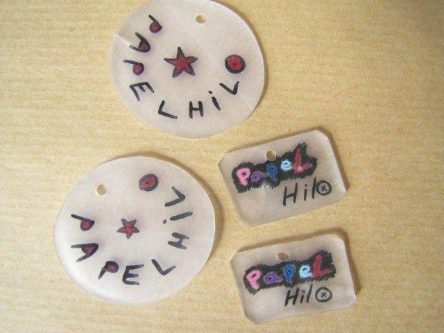 utiliser du plastique fou pour faire de jolis boutons personnalisés (nom, dessin de la coquillette etc...)