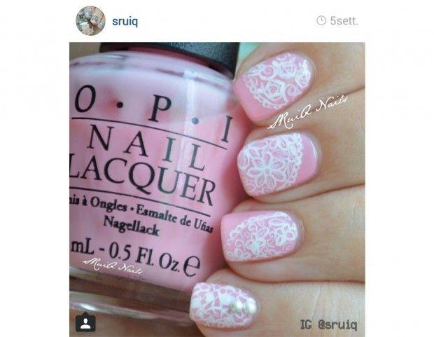 Smalto rosa confetto con decorazione in bianco