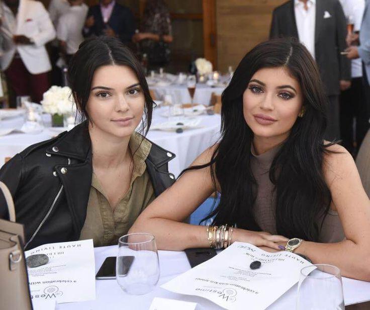 Kendall und Kylie Jenner haben Vermarktung von der großen Schwester Kim Kardashian gelernt.