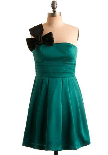 Teal green dress http://productshots2.modcloth.com/productshots/0060/9127/03d2e0ecd05a074468b3b758c74e56ca.jpg%3F1293640665