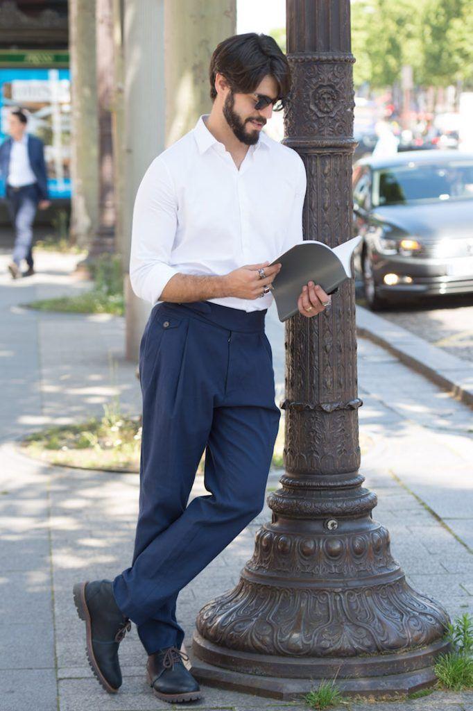 Look para homens fácil, com calça cintura alta e camisa branca. Ideal para Paris