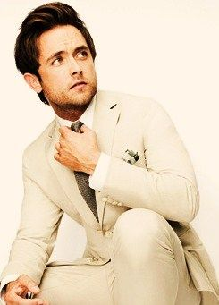 HOT DAMN THIS IS MY NEW LOVE! Justin Chatwin - Jimmy on Shameless